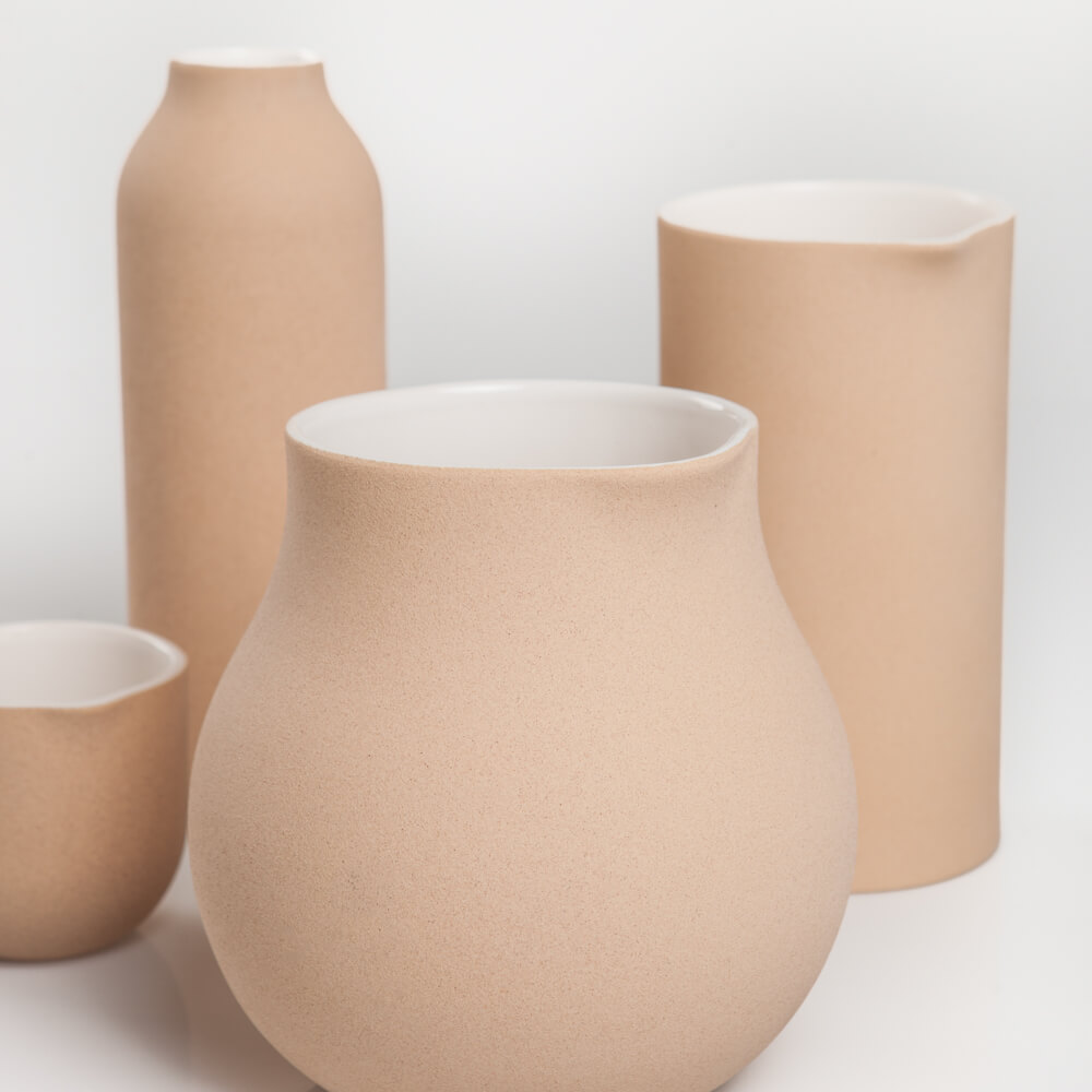 Beige-decorative-vase-set-8