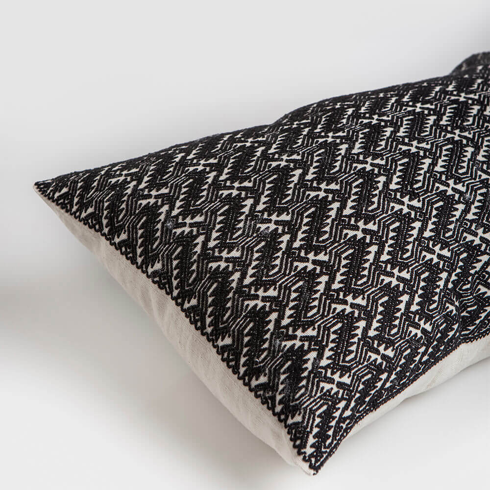 Black-and-little-white-pillow-cover-2.