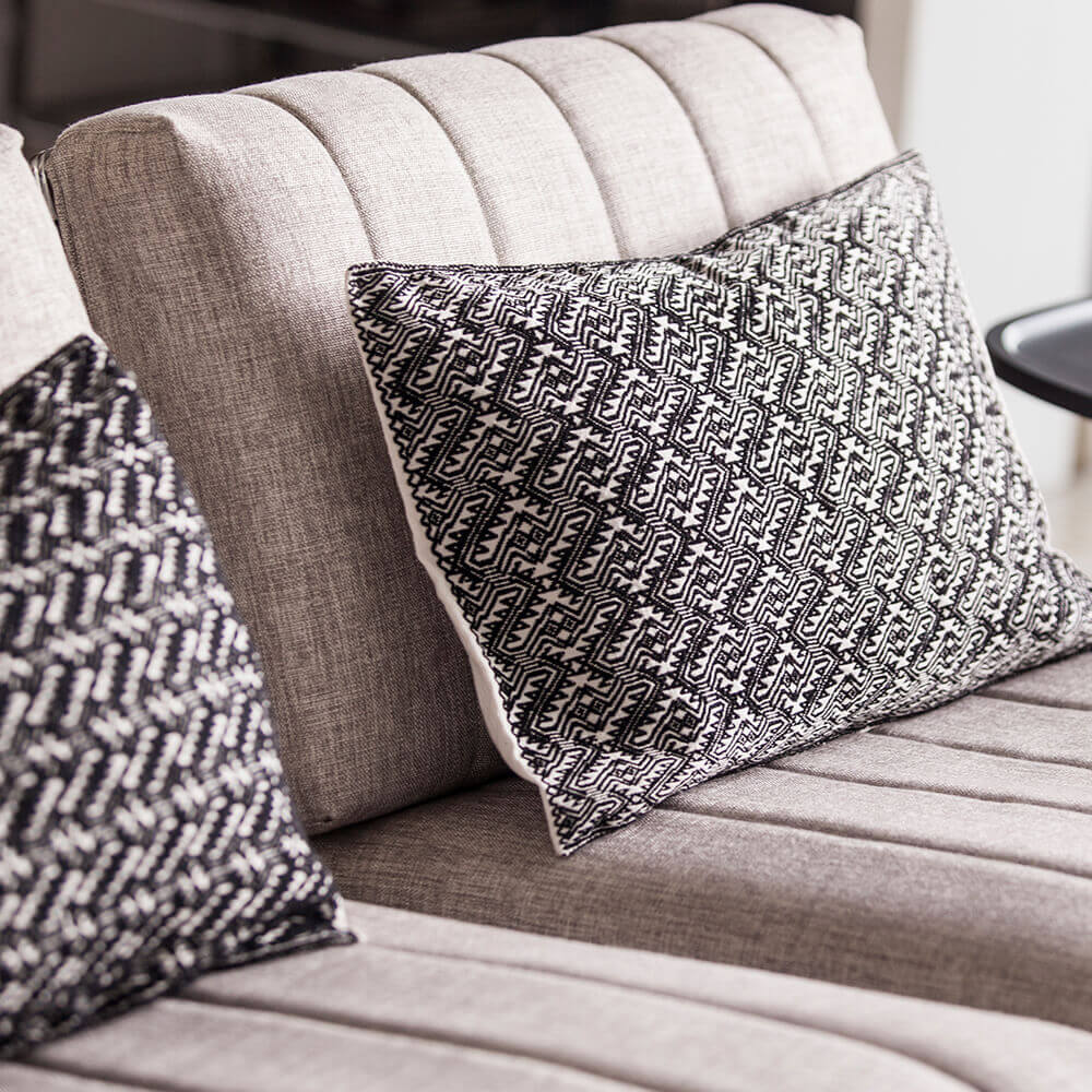 Black-and-little-white-pillow-cover-4.