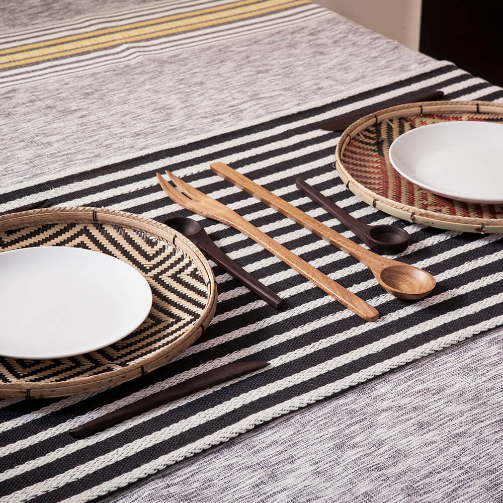 Black-and-white-striped-table-runner-3