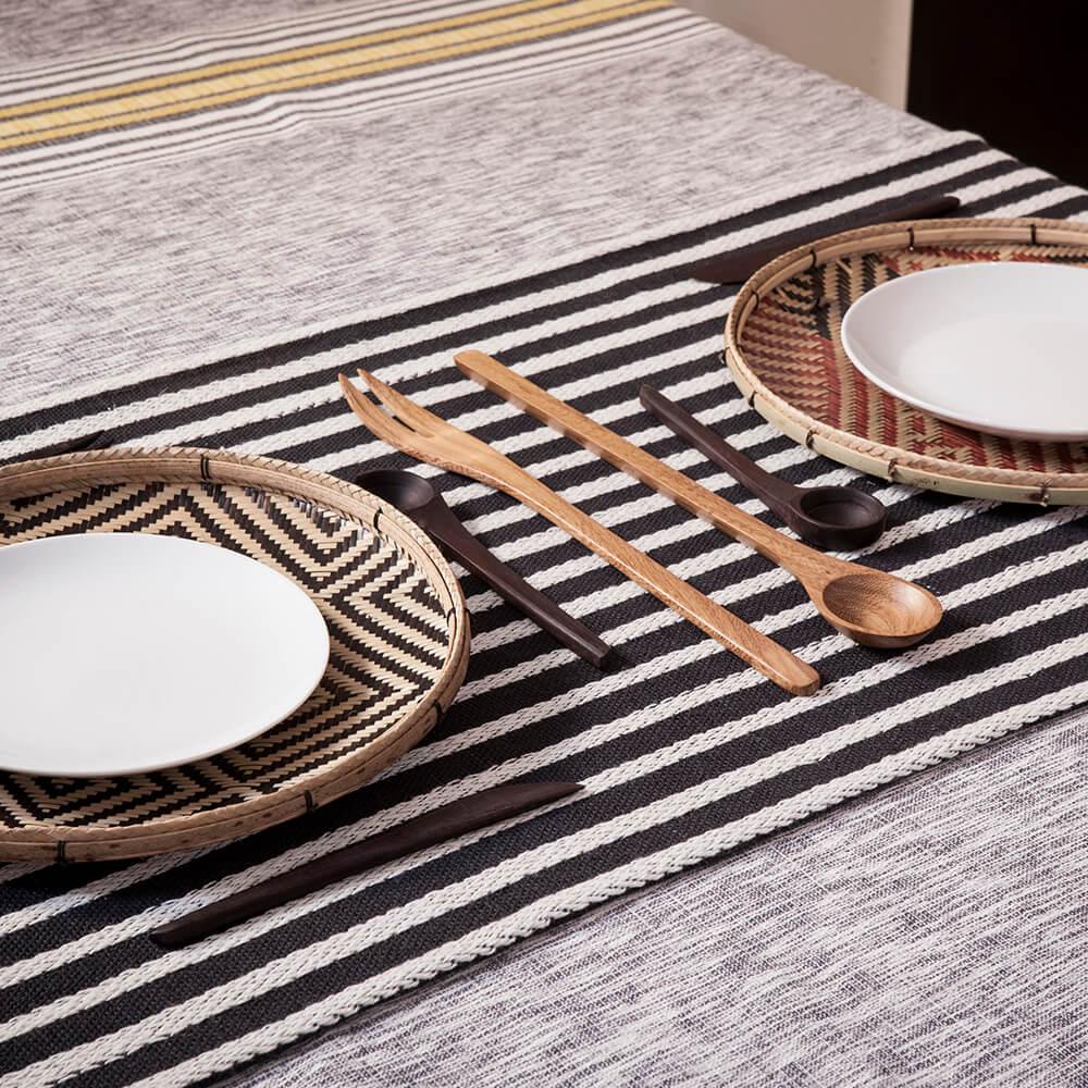 black and white striped table runner maison numen. Black Bedroom Furniture Sets. Home Design Ideas
