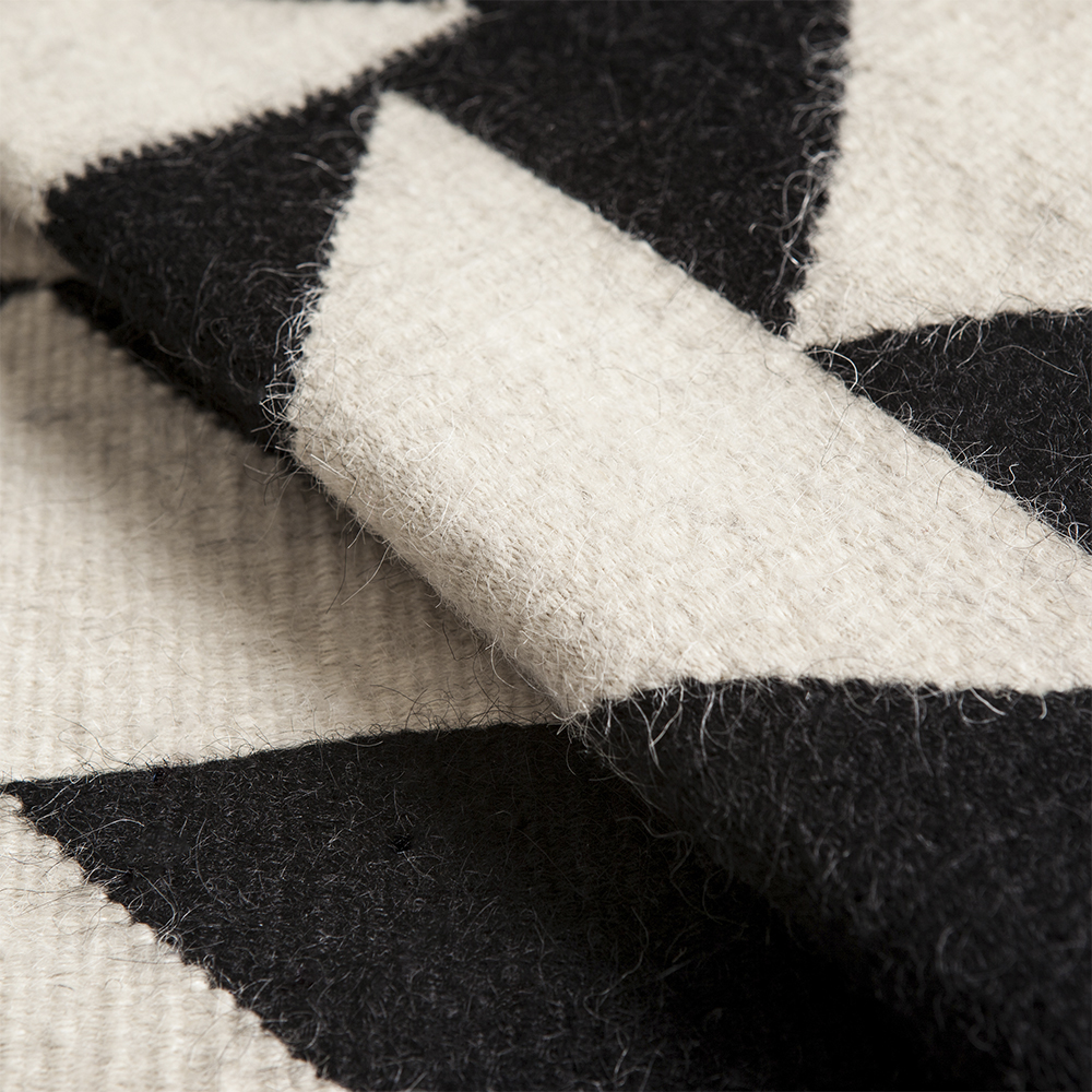 Black-and-white-wool-rug-2
