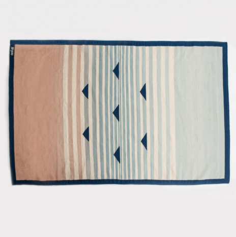 BLUE PATTERNED WOOL RUG