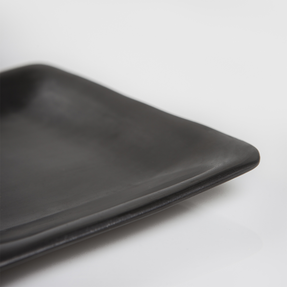 Barro-negro-plate-small-3