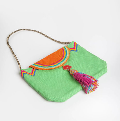 GREEN WEAVED CLUTCH BAG