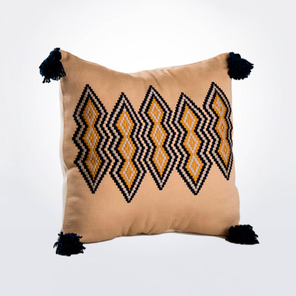 Guatemalan vertical pillow cover product photo.