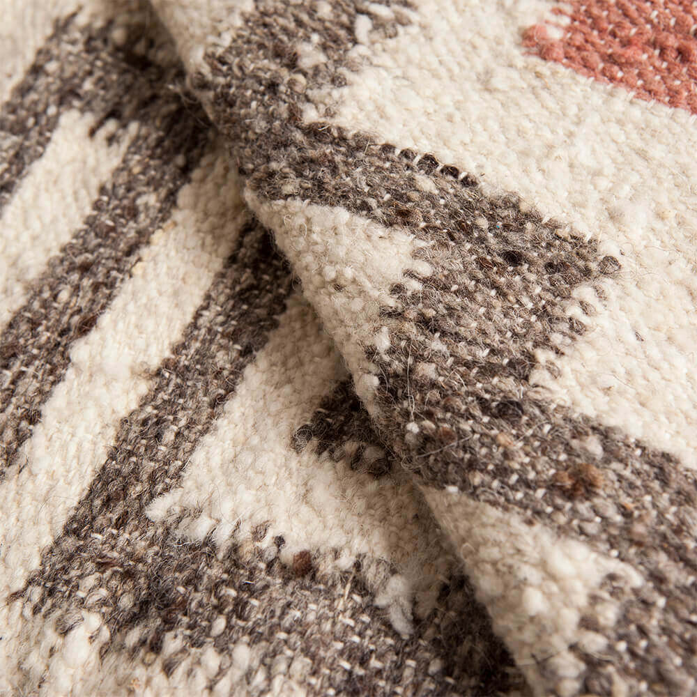 Mayan-gray-and-pink-wool-rug-3