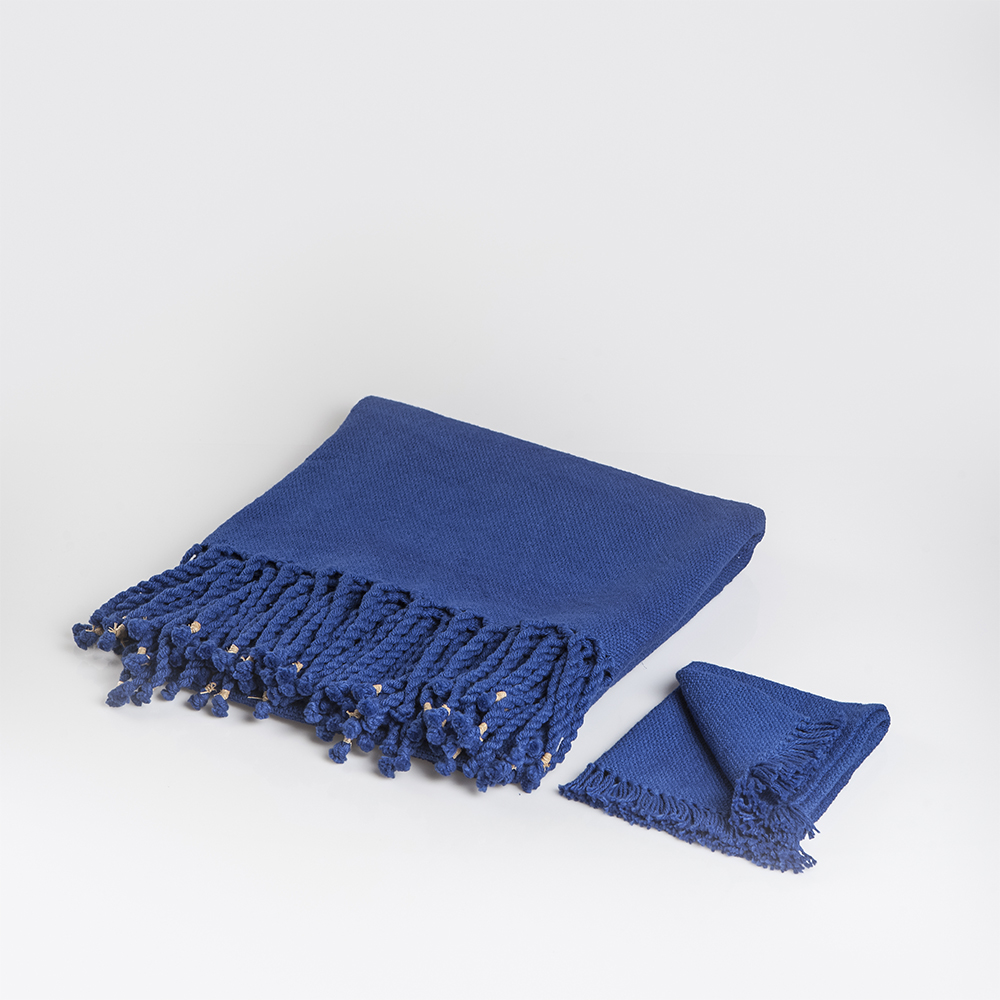 Tablecloth-and-napkin-set-1