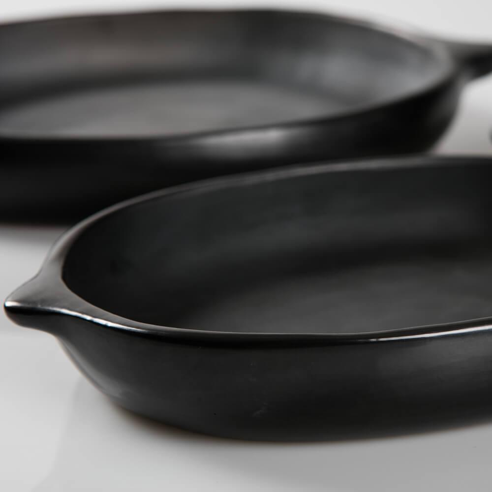 Black-pottery-plates-6