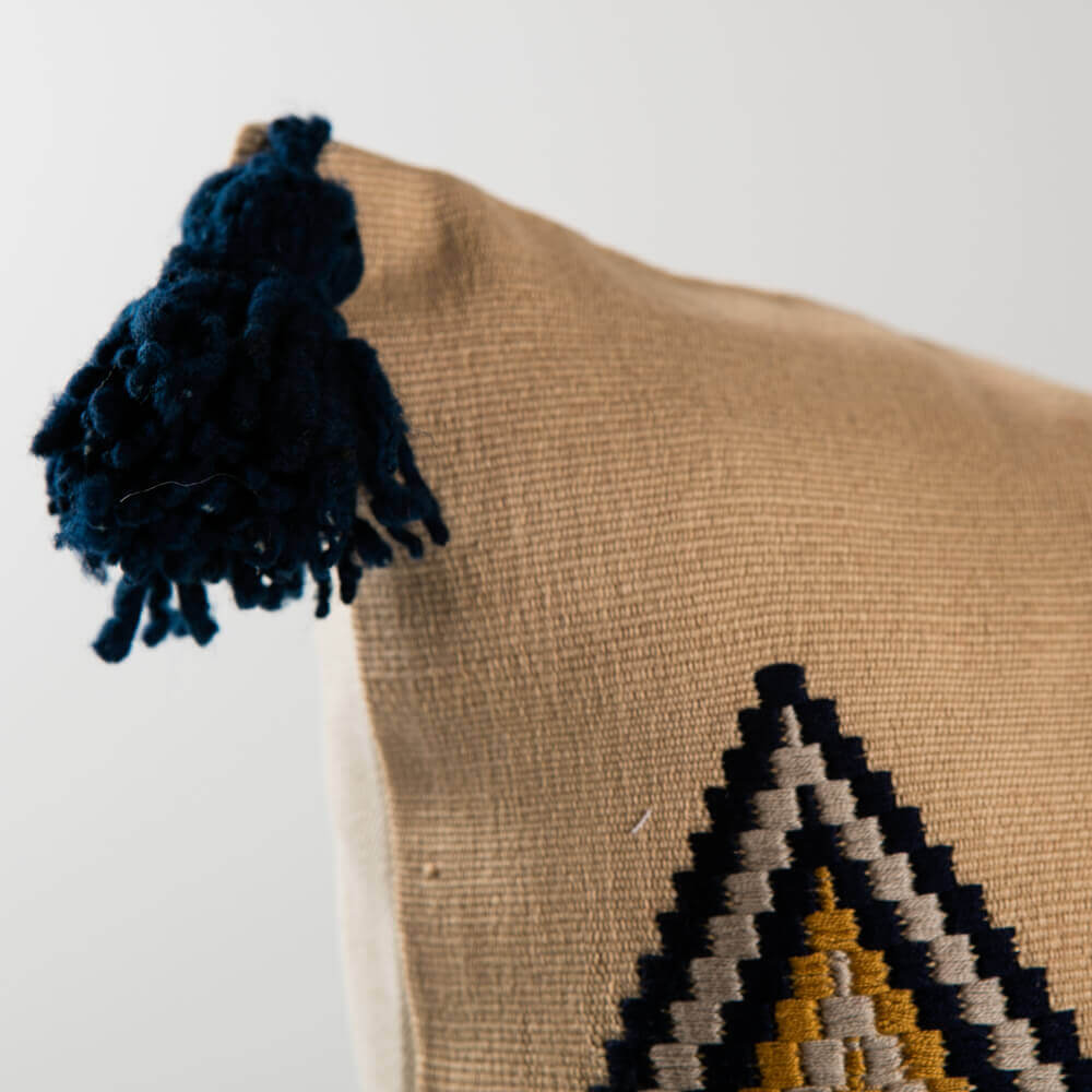 Guatemalan-vertical-pillow-cover-2.