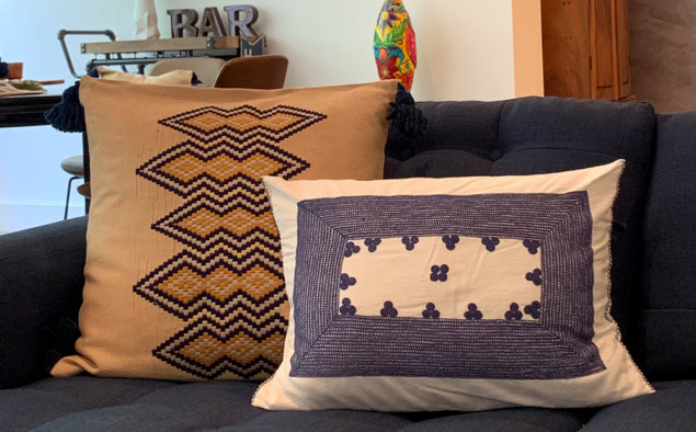 Guatemalan vertical pillow cover with pillow cover.