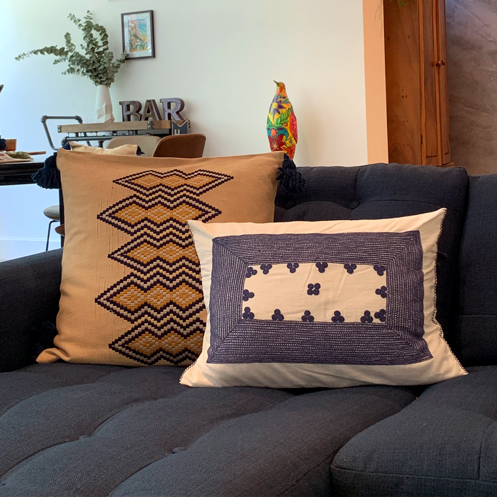 Guatemalan-vertical-pillow-cover 6