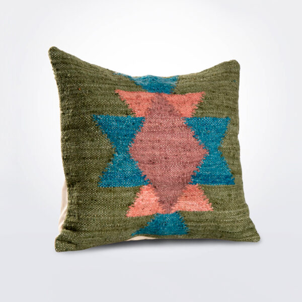 El chal pillow cover product photo.