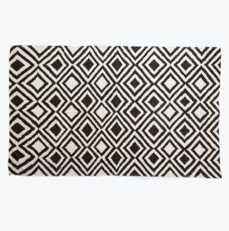 MULTI DIAMOND WOOL RUG