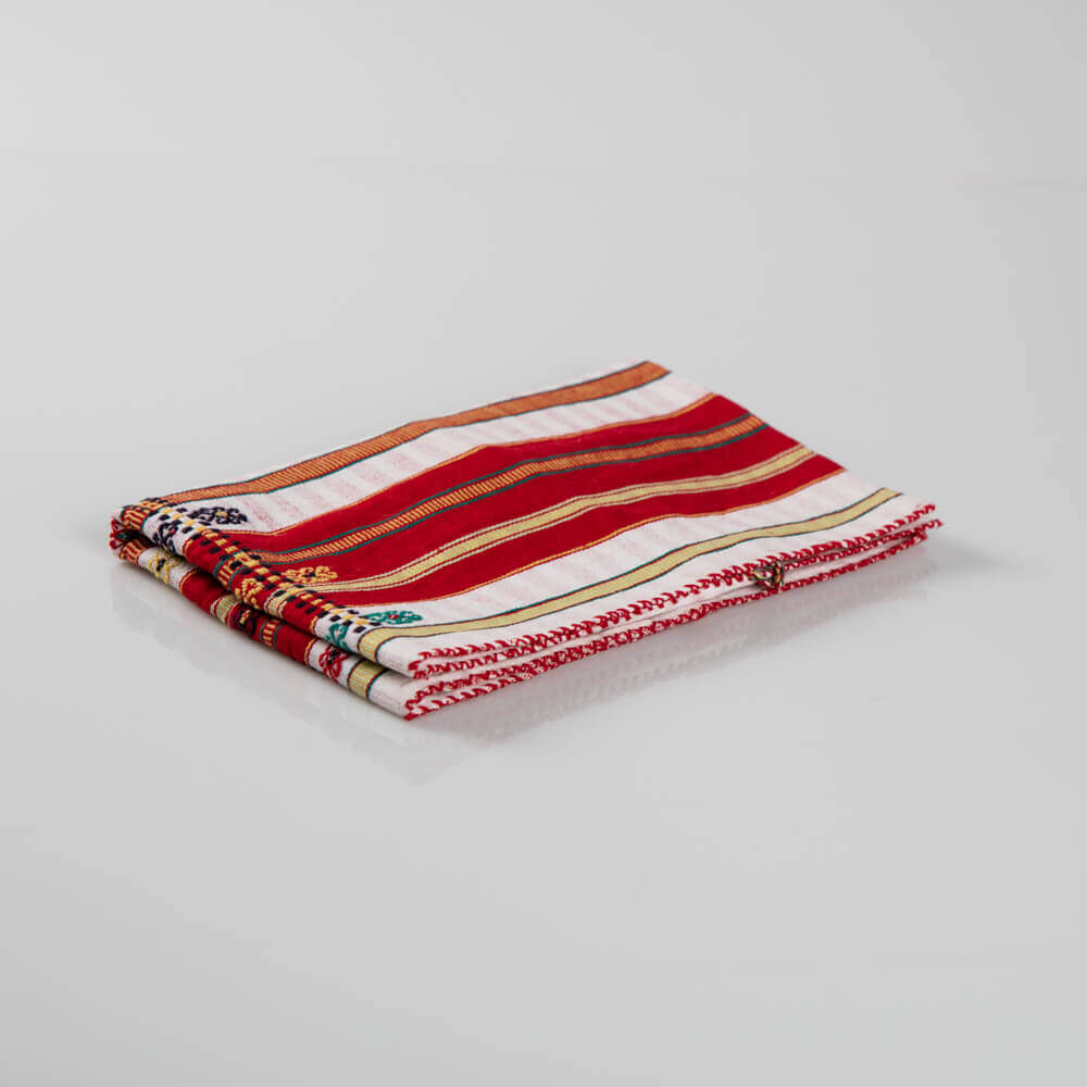 Red-patterned-pillow-cover
