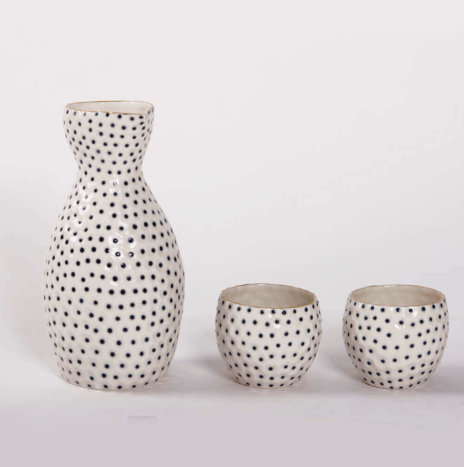 PORCELAIN GOLD BEAKER SET