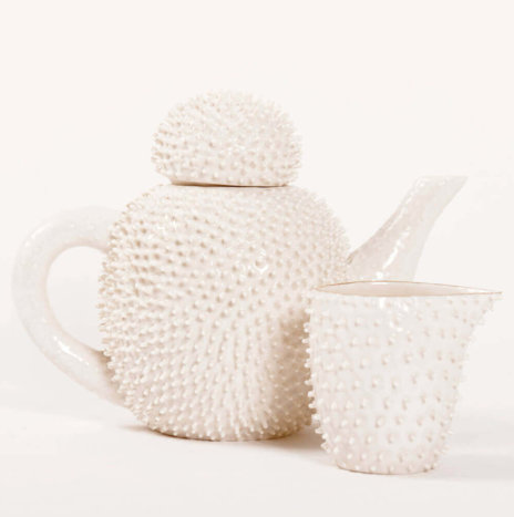 SPIKY PORCELAIN TEA SERVICE SET