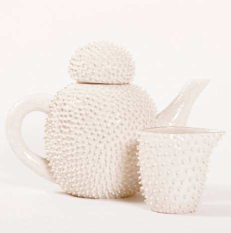 NUCLEOLUS POFUPOFU TEA SERVICE