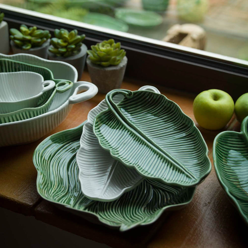 BANANA LEAF SHAPED PLATTER