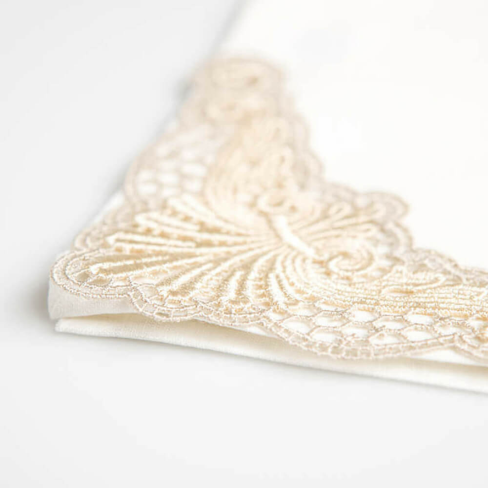 Italian-embroidered-gold-placemats-2