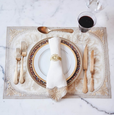ITALIAN EMBROIDERED GOLD PLACEMATS SET
