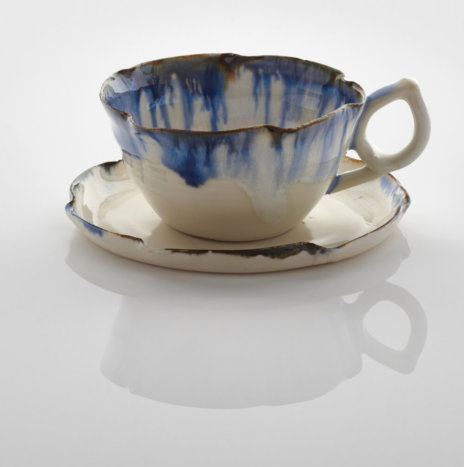 WHITE AND BLUE PORCELAIN CUPS SET