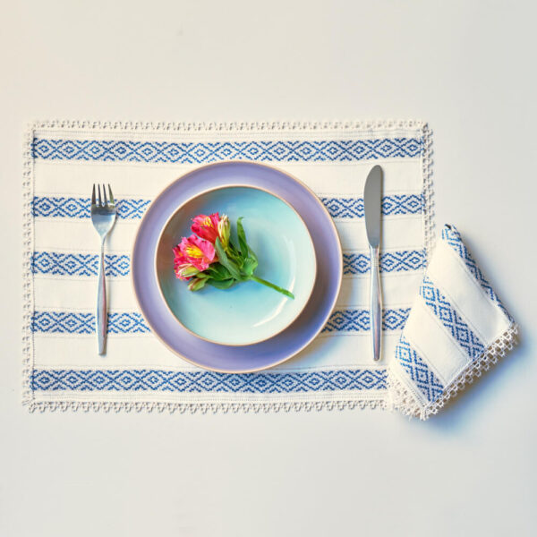 BLUE DIAMONDS LINEN PLACEMATS AND NAPKINS