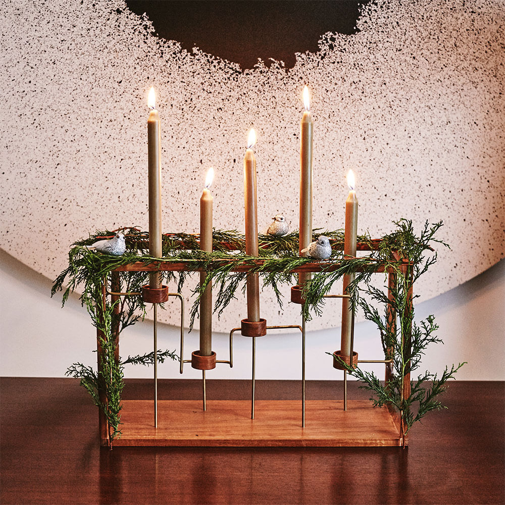 Framed-quintuple-candelabrum