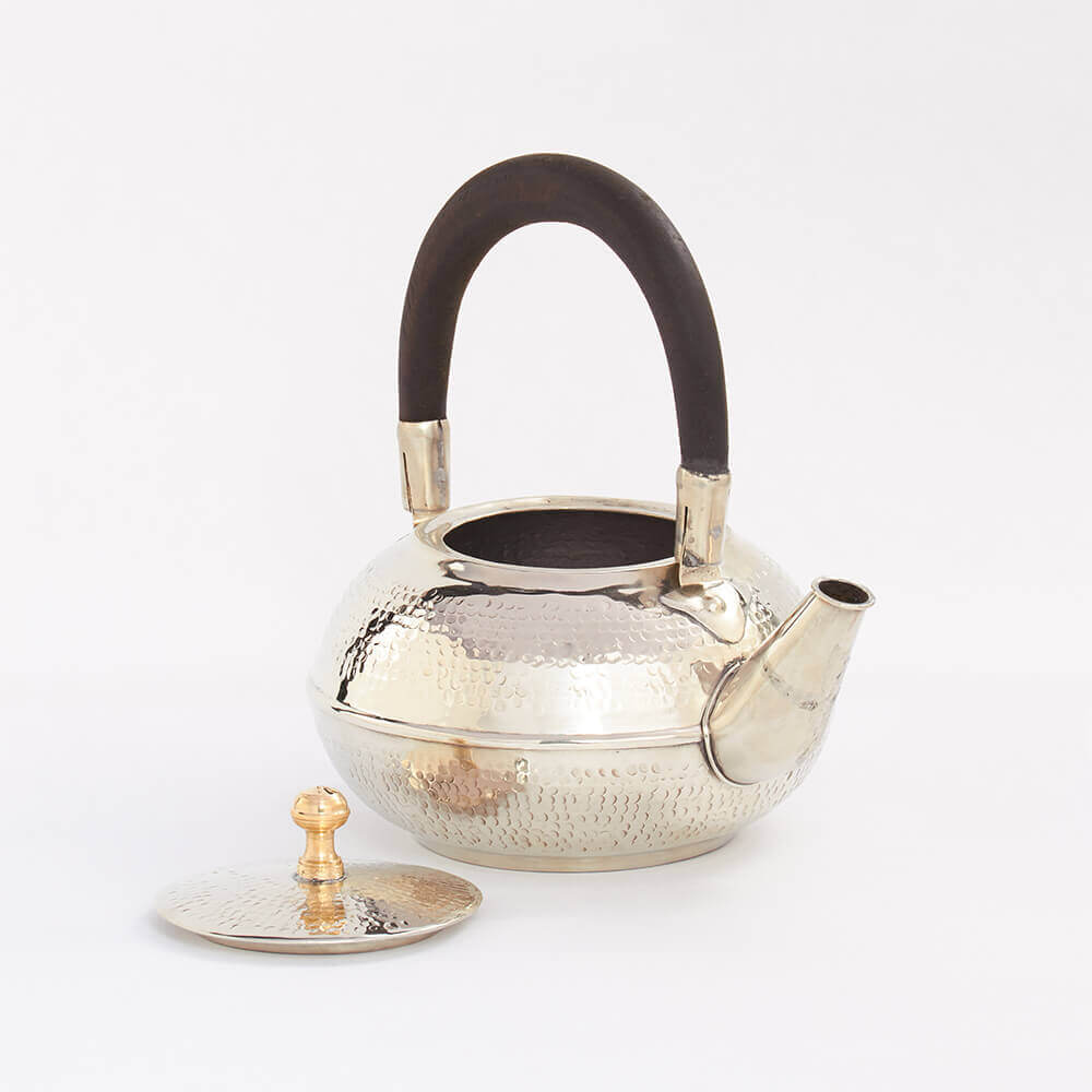 Morocca-silver-hammered-teapot-3