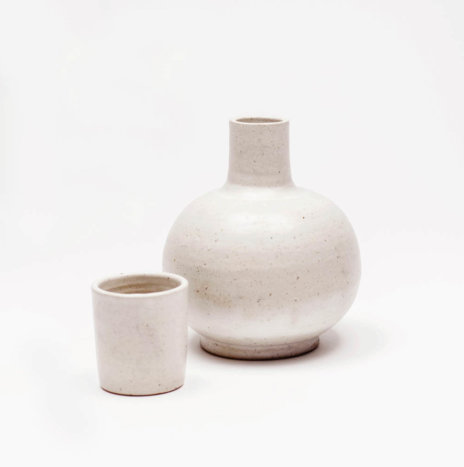 CANTARO WHITE TABLE JUG