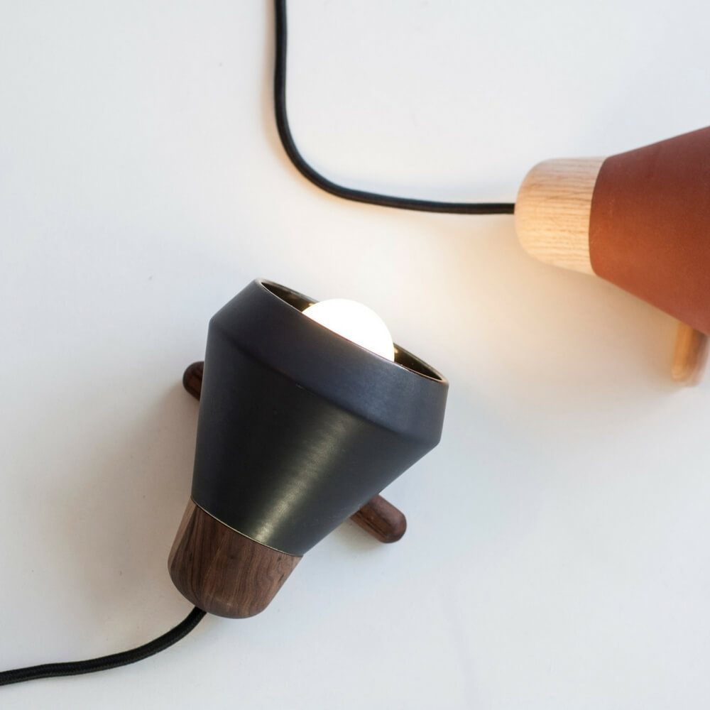 Ceramic-and-wood-black-desk-lamp-8