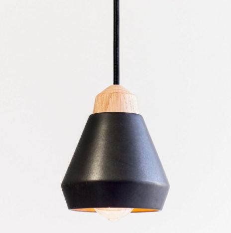 CERAMIC AND WOOD BLACK PENDANT LAMP
