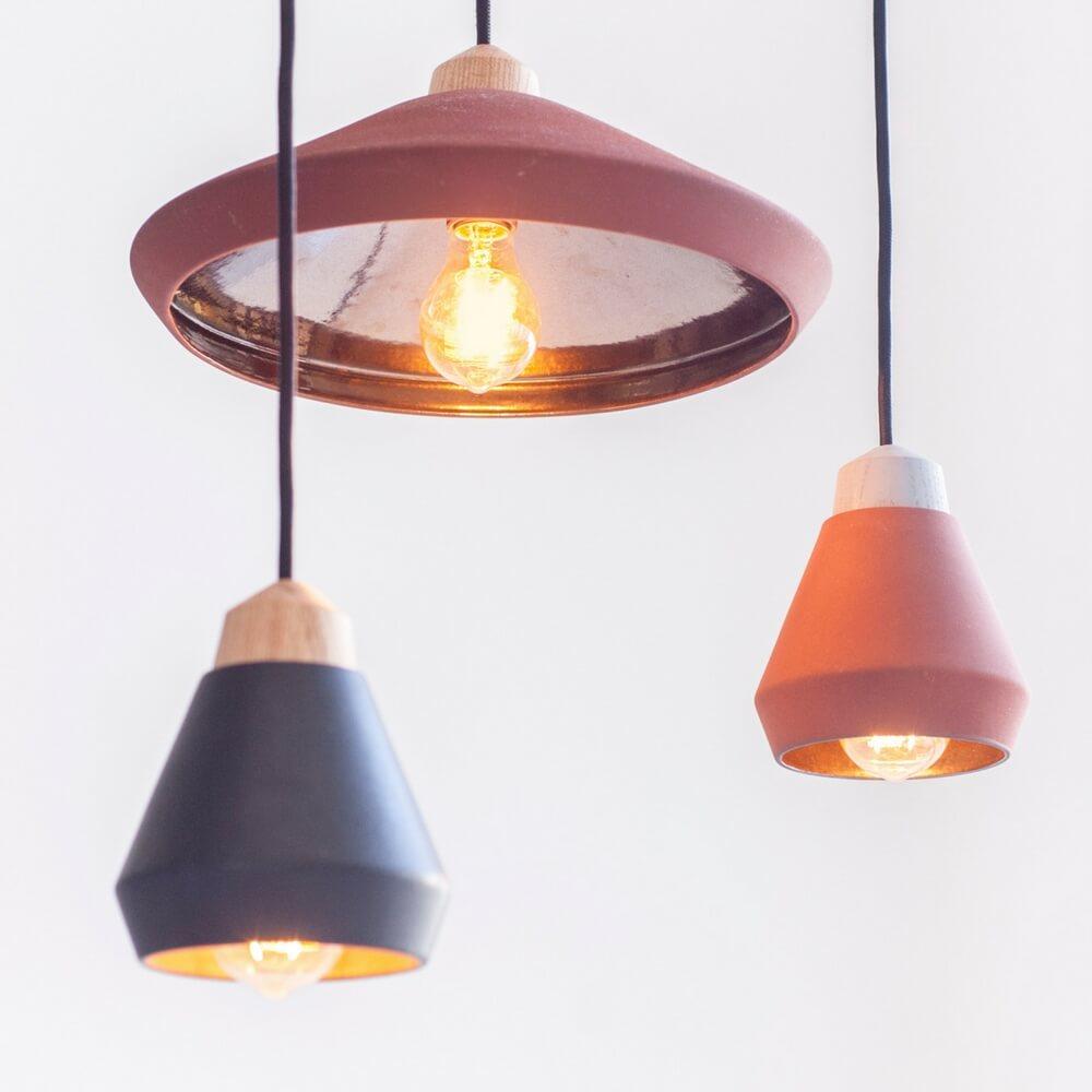 Ceramic-and-wood-desk-brown-lamp-2