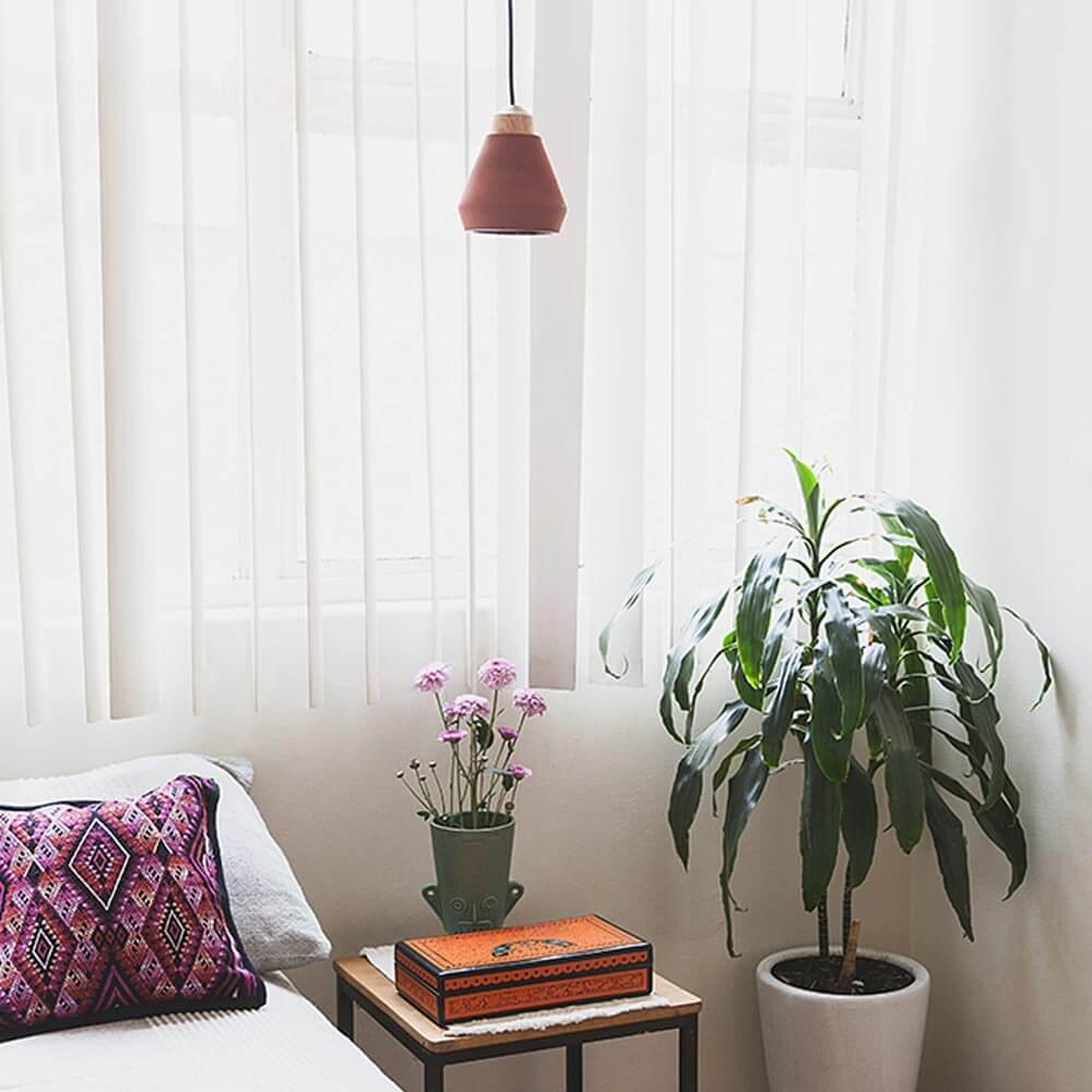 Ceramic-and-wood-terracotta-pendant-lamp-9