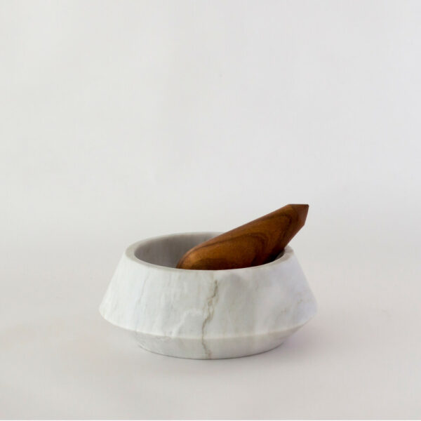 HOLBOX WHITE MORTAR AND PESTLE
