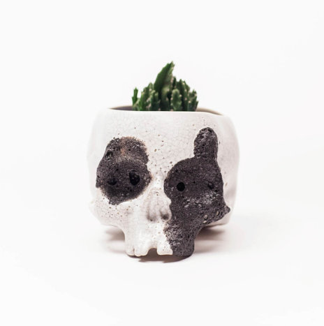 SKULL WHITE CERAMIC PLANTER POT
