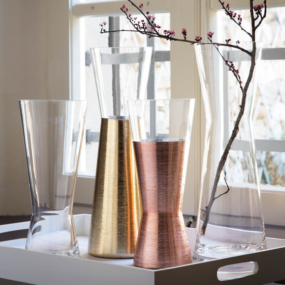 Futura-golden-short-vase-2.