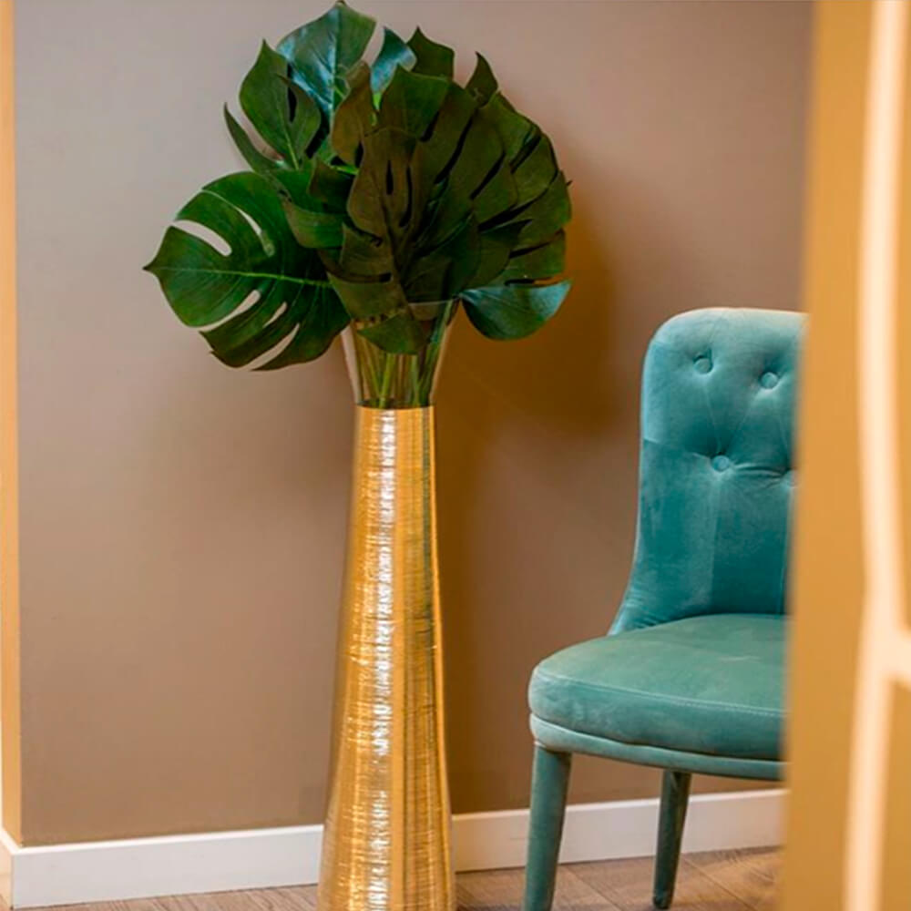 Futura-golden-tall-vase