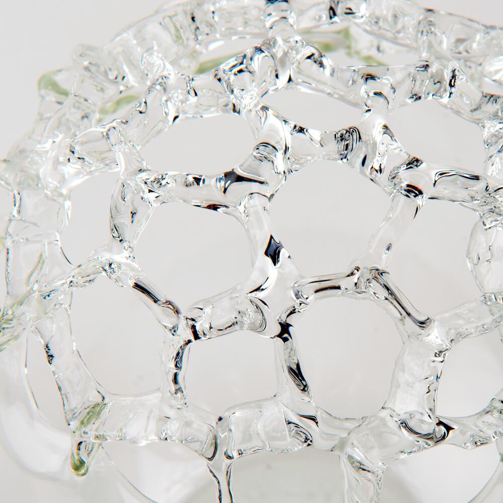 Bowling-glass-vase-detail