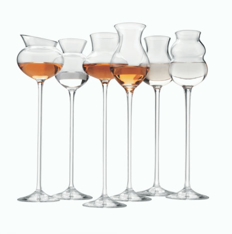 DISTILLATES ASSORTED GLASS SET