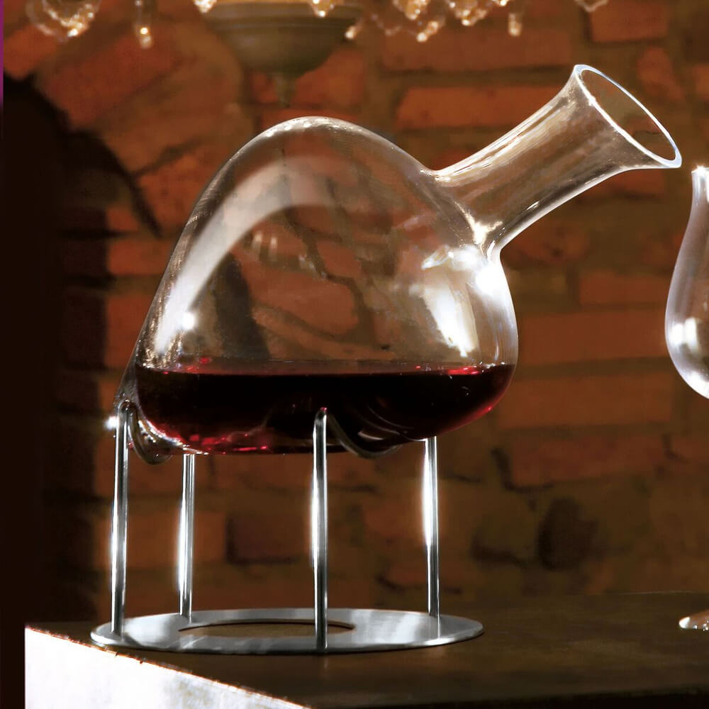 Cantico-wine-decanter-with-support-4