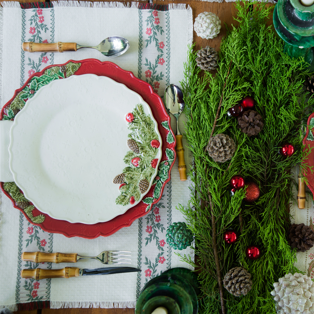 Christmas-red-charger-plate-set-2