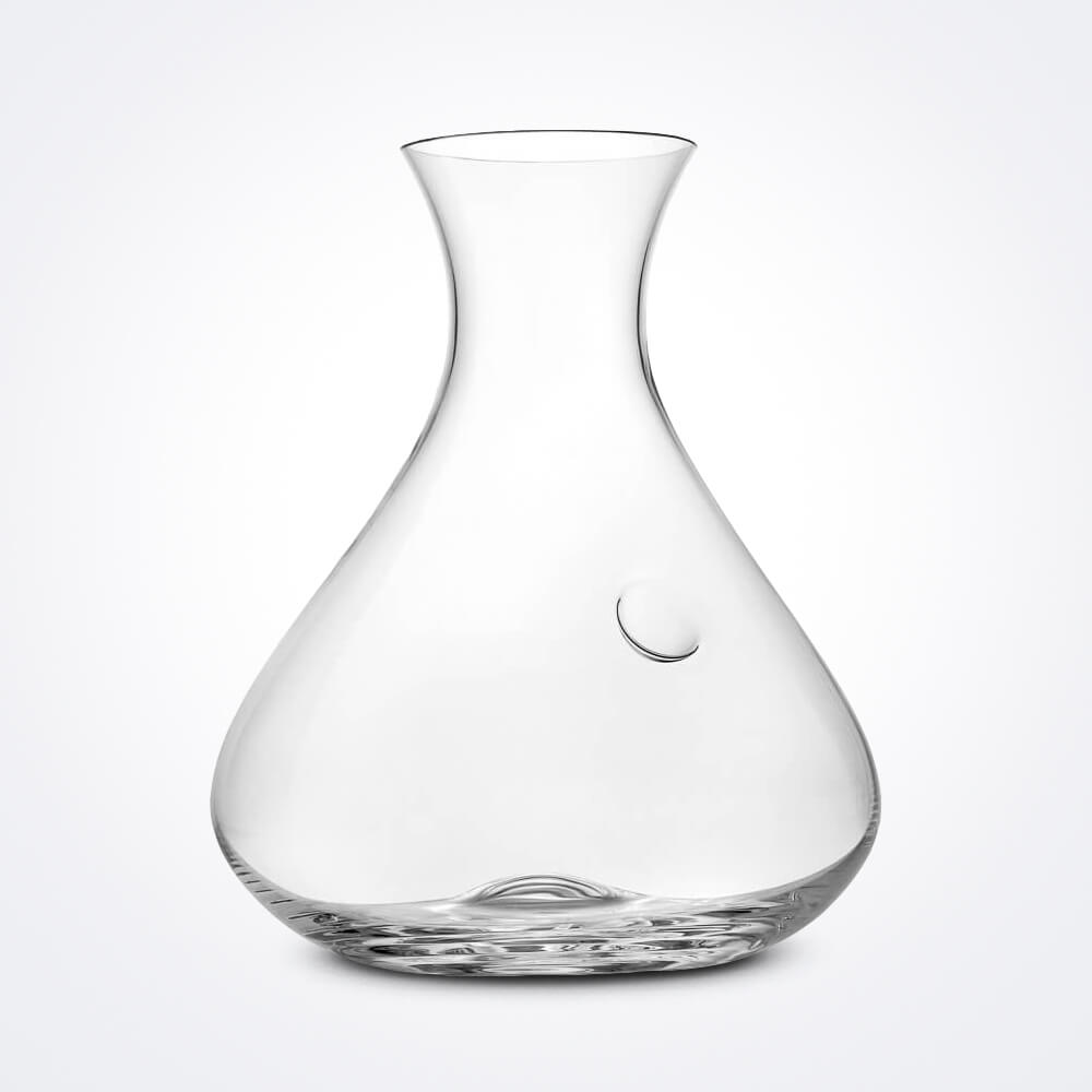 Sommelier-clear-wine-decanter