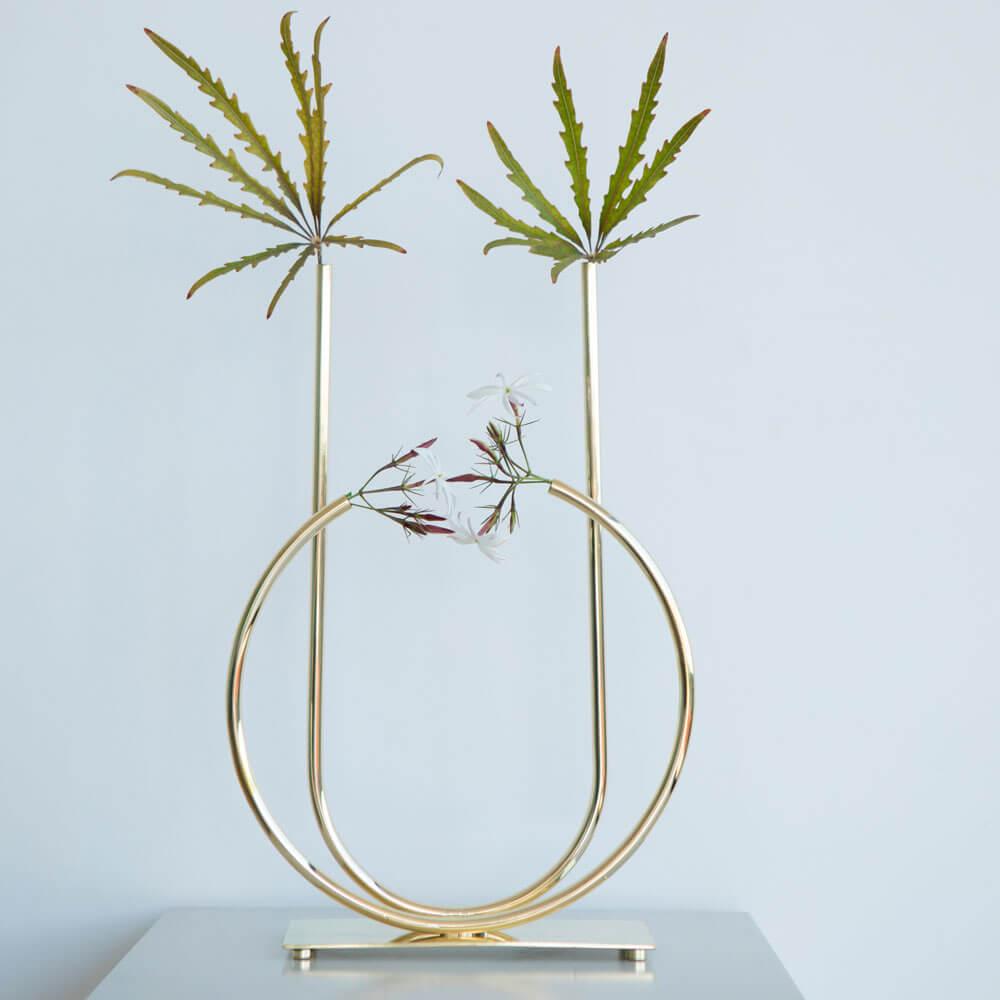 Magnolia-bass-bud-vase-3.