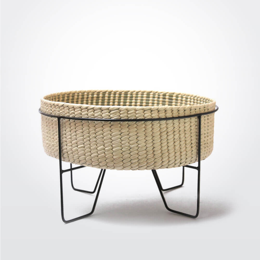 PALM LEAF BASKET W BLACK STAND Medium
