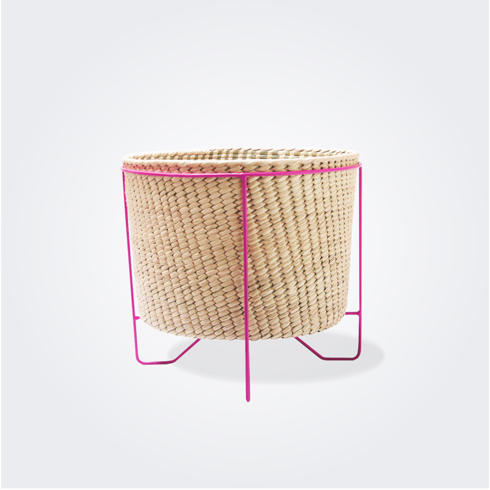 Palm Leaf Basket woth pink (small)