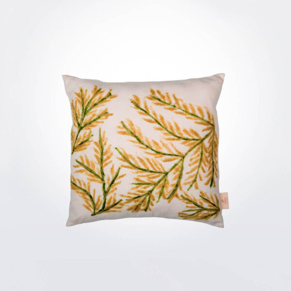 Leaves pillow cover.