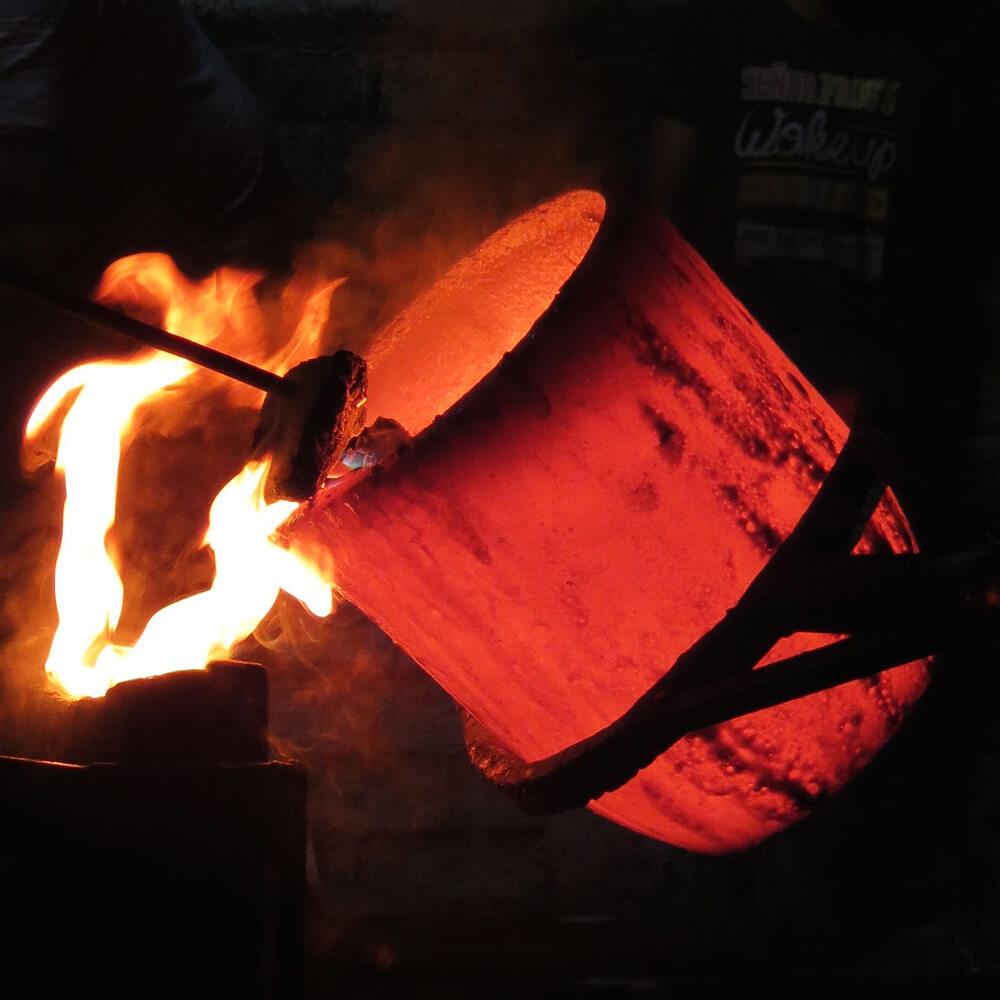 Cocoon-copper-pendant-lamp-4