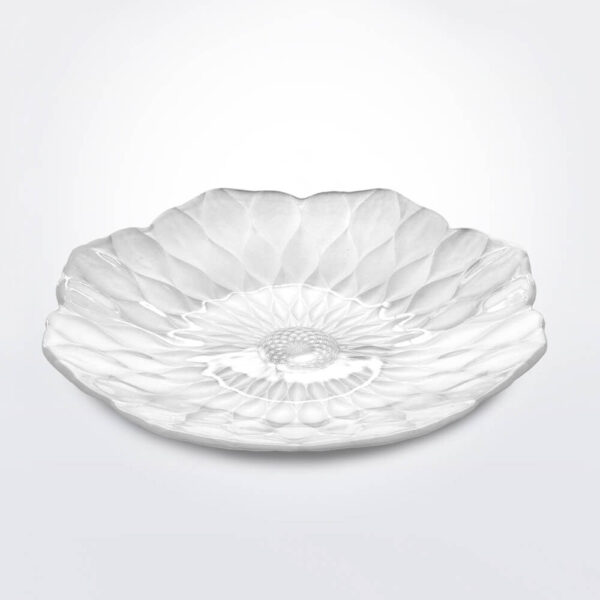 Pearly white centerpiece product picture.