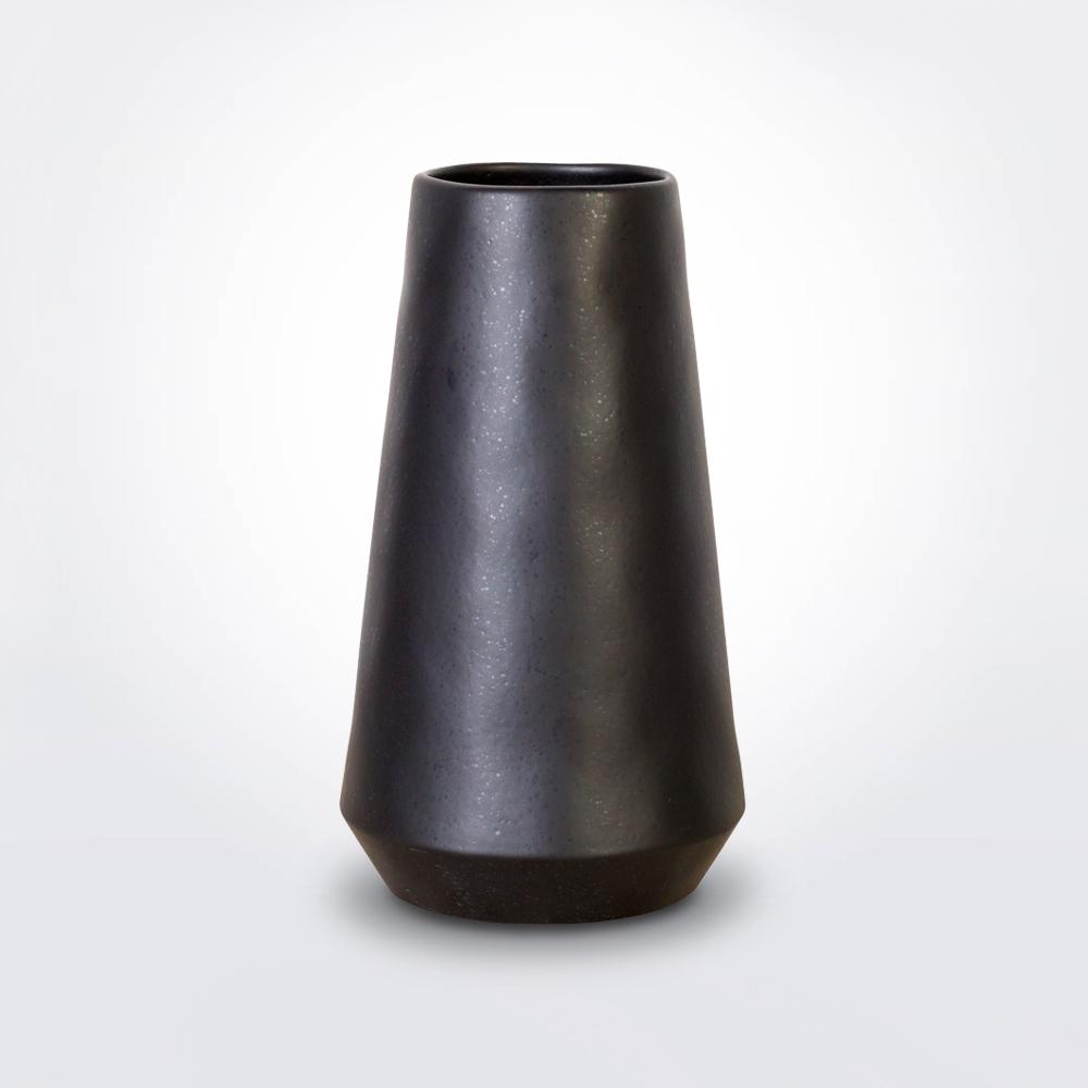 Black-vulcano-vase-1